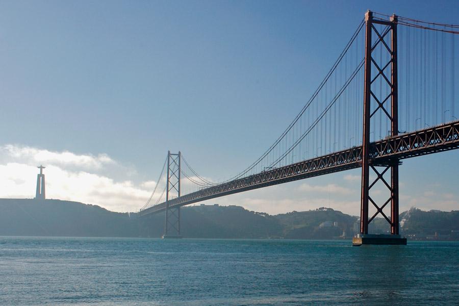 Puente 25 De Abril Ernesto Colman Viajes