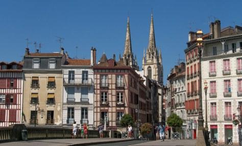 Ernesto Colman viaja a...Bayona, Francia1