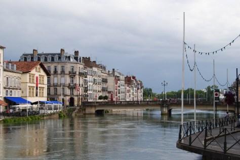 Ernesto Colman viaja a...Bayona, Francia2